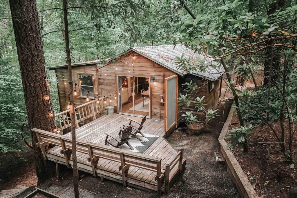 Cobb cabin treehouse northern california airbnb
