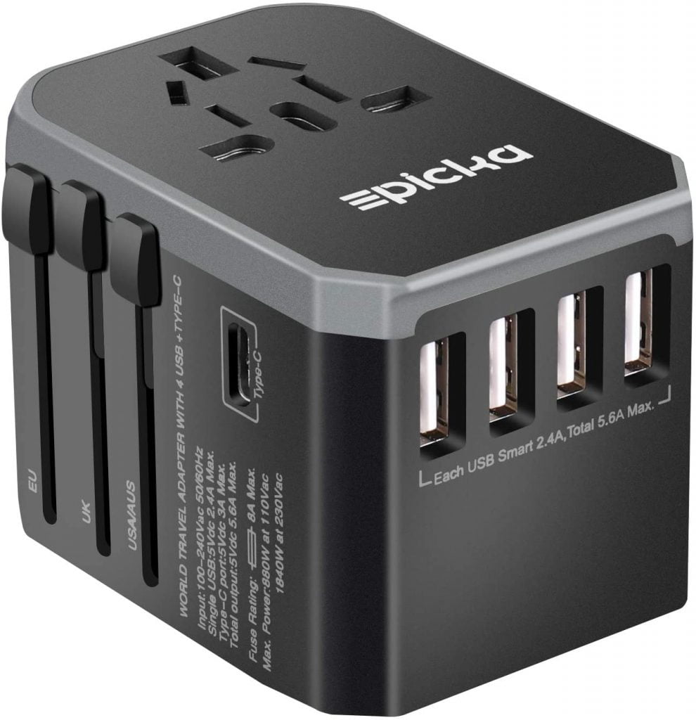 Universal travel adaptor for travellers