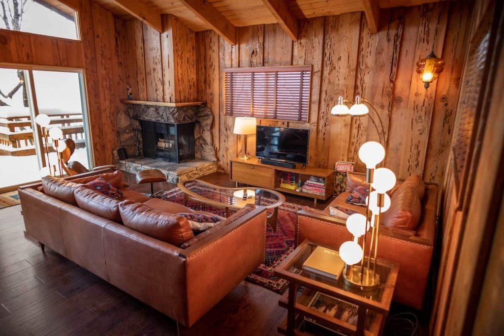 70s Hillside Cabin best big bear views airbnb