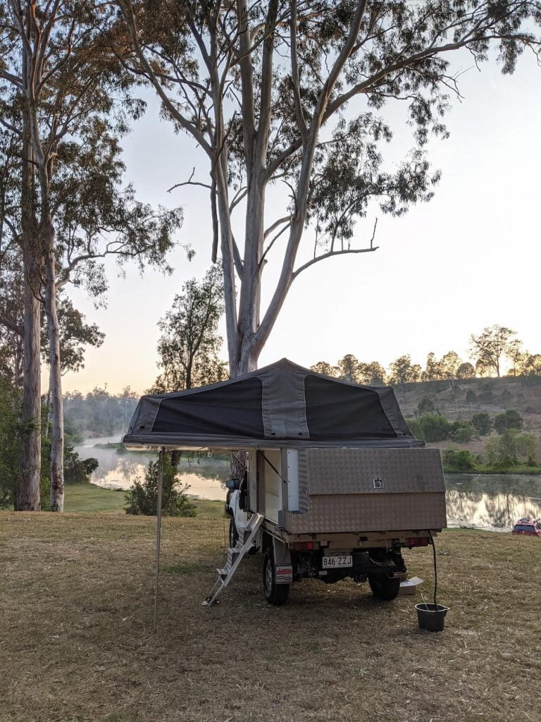 outdoor 4x4 toyota hilux camper