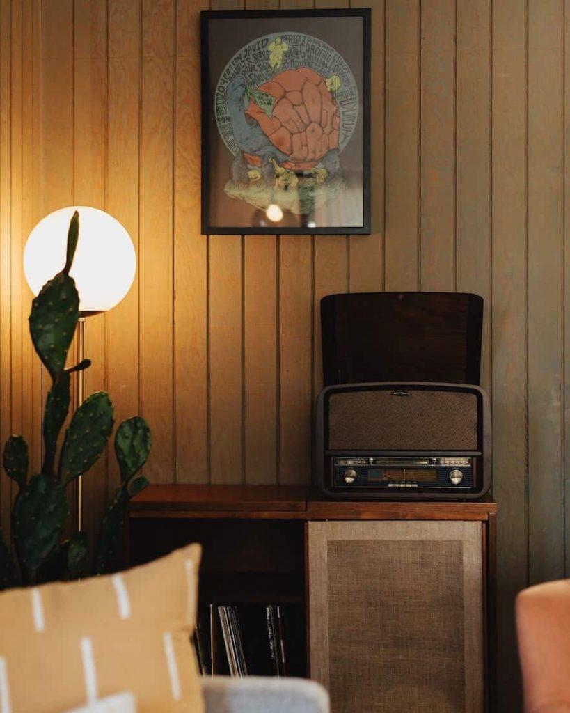 moonridge cottage retro big bear airbnb 3