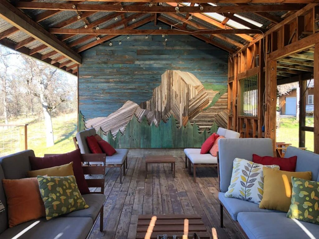 21 Gorgeous Cabins and Airbnbs in Yosemite (2021) 1