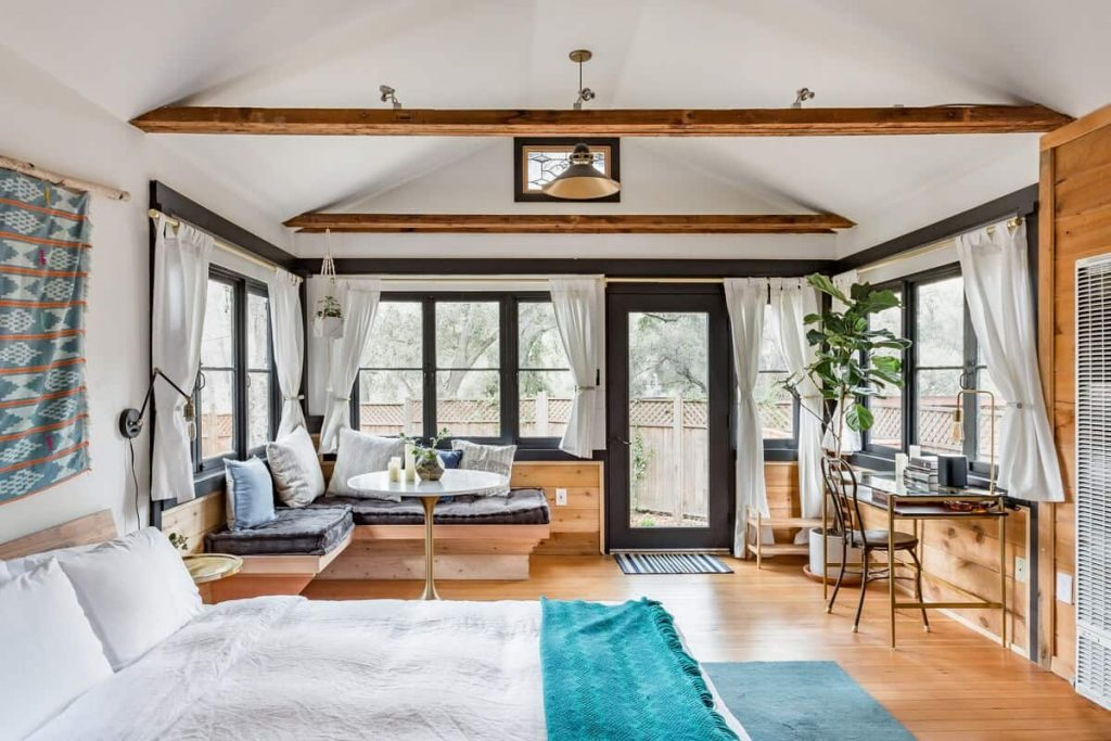 crystal cabin airbnb los angeles